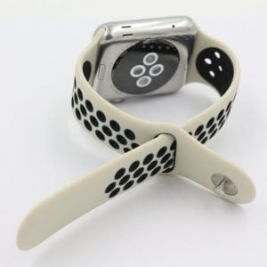 Rubberen sport bandje voor de Apple Watch Offwhite Zwart-001