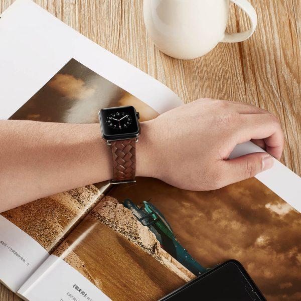 Apple-Watch-bandje-bruin-vleer-gevlochten-met-zilverkleurige-gesp-5.jpg